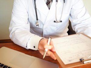 病院での尿失禁の診察